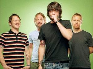 Foo Fighters anuncia que novo disco do grupo sai já em 2011