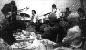 Pink Floyd se apresenta em Estocolomo, no Gyllene Cirkeln (Círculo Dourado), em 10091967