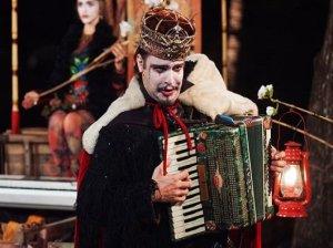 Shakespeare ganha sotaque do Nordeste em peça que entoa rock